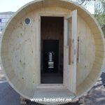 Barrel sauna step in